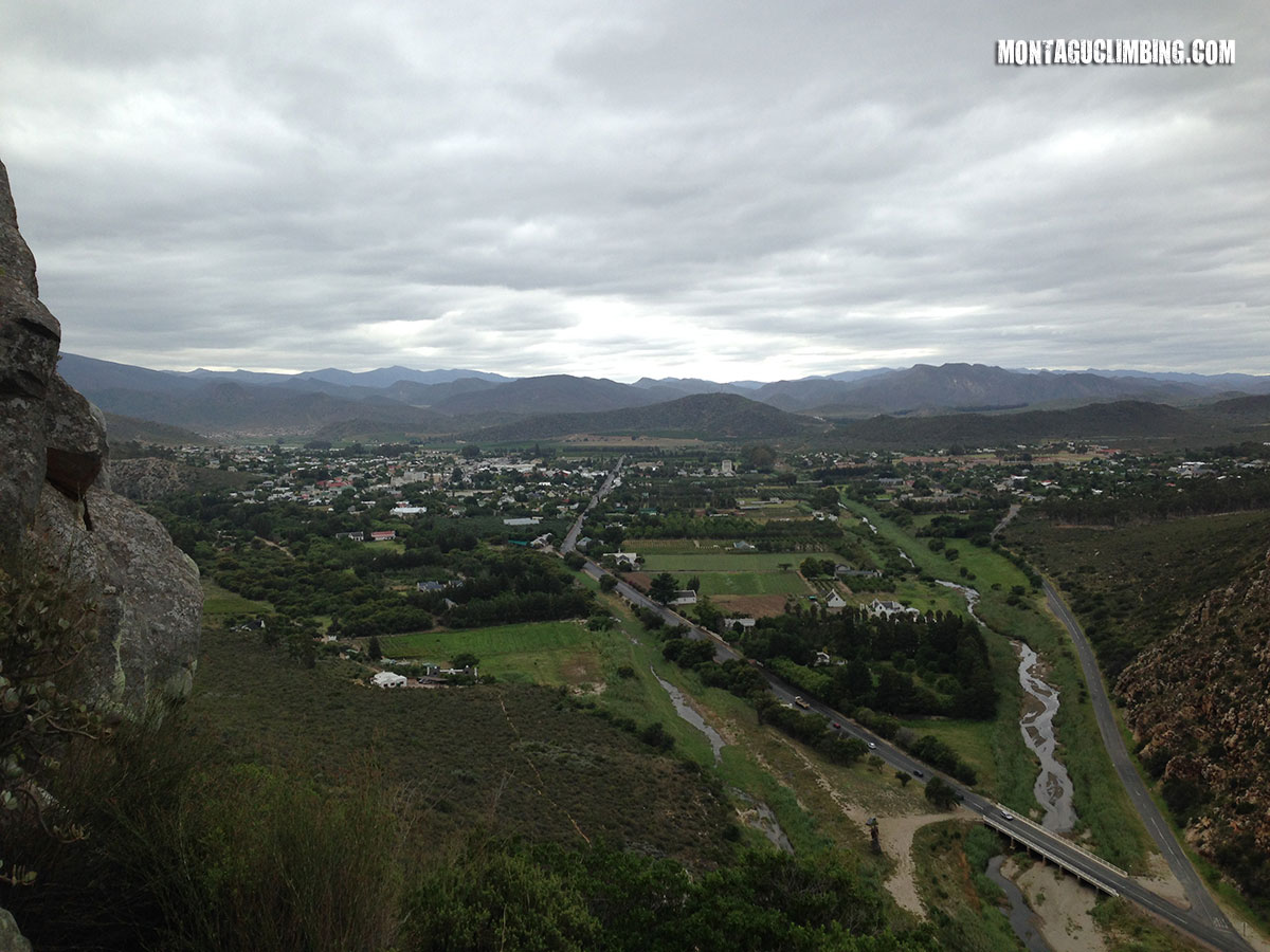 Bold & Beautiful view onto Montagu from above