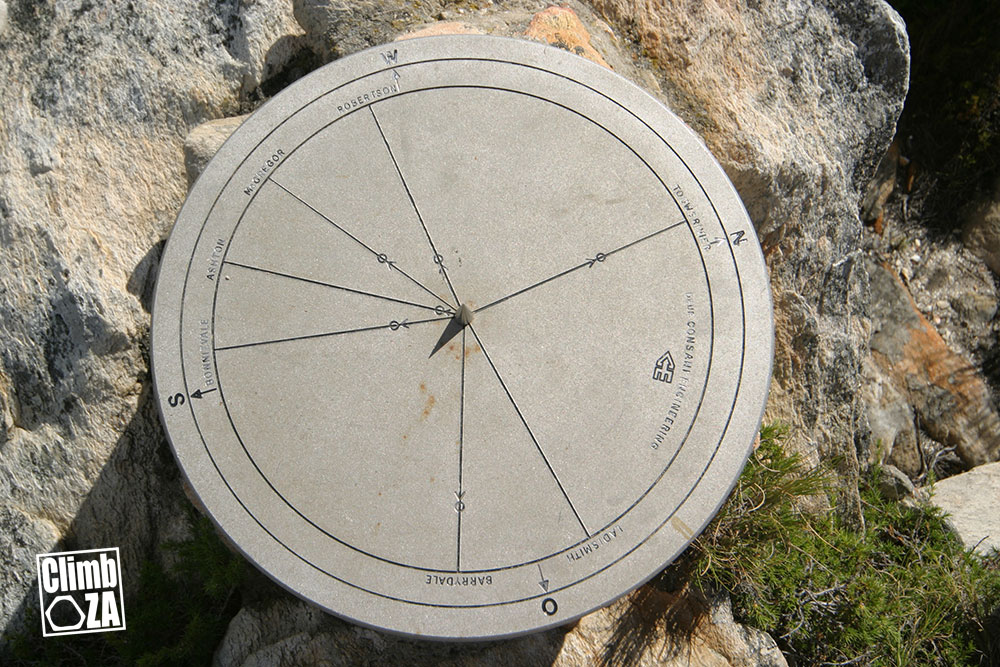 Montagu Hiking Trails - Sundial on top of Bloupunt
